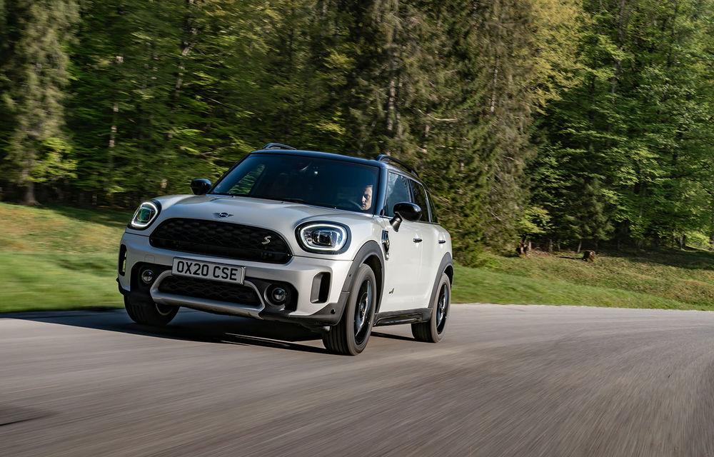 Mini Countryman facelift a fost prezentat oficial: britanicii propun îmbunătățiri exterioare, accesorii noi de interior și versiune plug-in hybrid cu autonomie electrică de până la 61 de kilometri - Poza 97