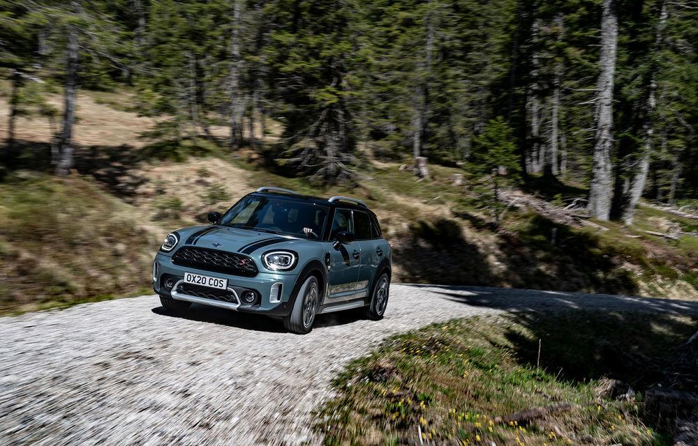 Mini Countryman facelift a fost prezentat oficial: britanicii propun îmbunătățiri exterioare, accesorii noi de interior și versiune plug-in hybrid cu autonomie electrică de până la 61 de kilometri - Poza 42