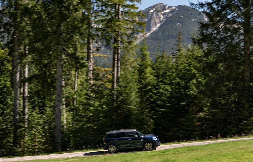 Mini Countryman facelift a fost prezentat oficial: britanicii propun îmbunătățiri exterioare, accesorii noi de interior și versiune plug-in hybrid cu autonomie electrică de până la 61 de kilometri - Poza 15