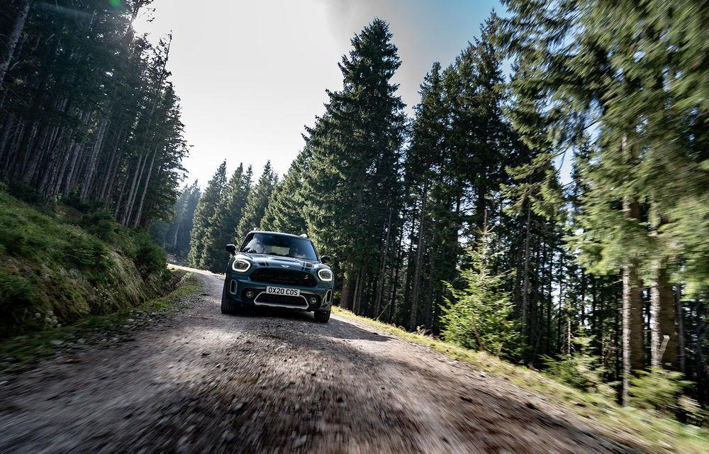 Mini Countryman facelift a fost prezentat oficial: britanicii propun îmbunătățiri exterioare, accesorii noi de interior și versiune plug-in hybrid cu autonomie electrică de până la 61 de kilometri - Poza 47