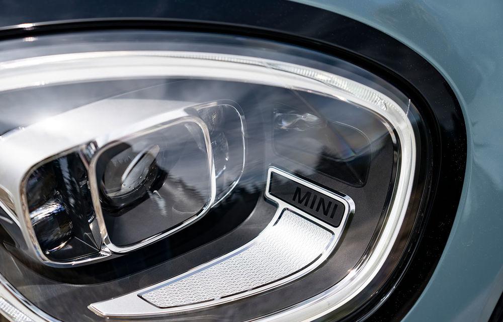 Mini Countryman facelift a fost prezentat oficial: britanicii propun îmbunătățiri exterioare, accesorii noi de interior și versiune plug-in hybrid cu autonomie electrică de până la 61 de kilometri - Poza 75