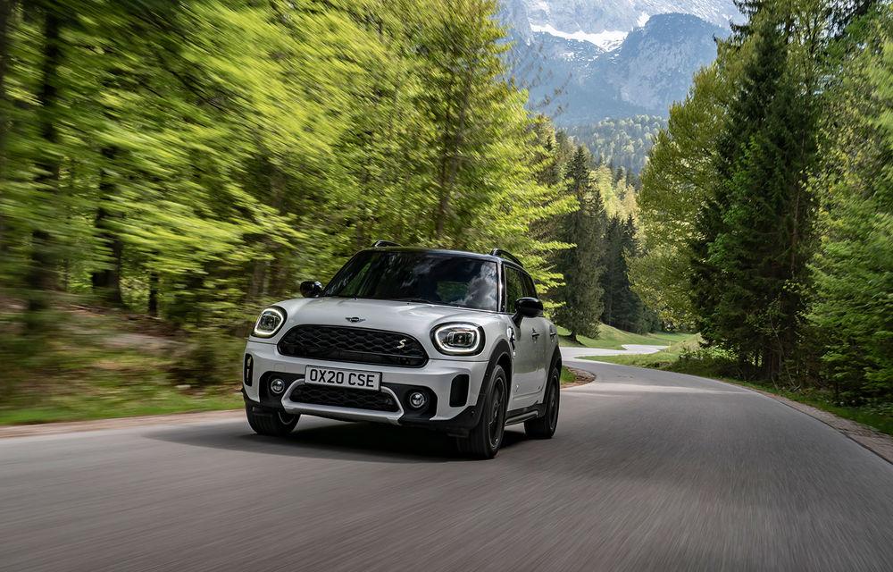Mini Countryman facelift a fost prezentat oficial: britanicii propun îmbunătățiri exterioare, accesorii noi de interior și versiune plug-in hybrid cu autonomie electrică de până la 61 de kilometri - Poza 92
