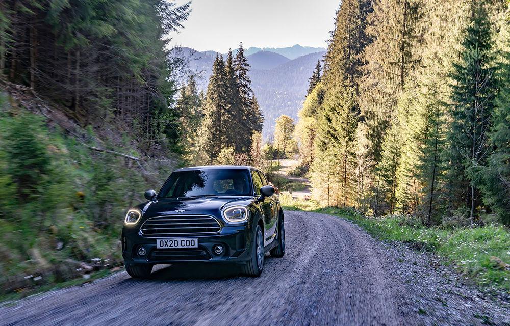 Mini Countryman facelift a fost prezentat oficial: britanicii propun îmbunătățiri exterioare, accesorii noi de interior și versiune plug-in hybrid cu autonomie electrică de până la 61 de kilometri - Poza 6