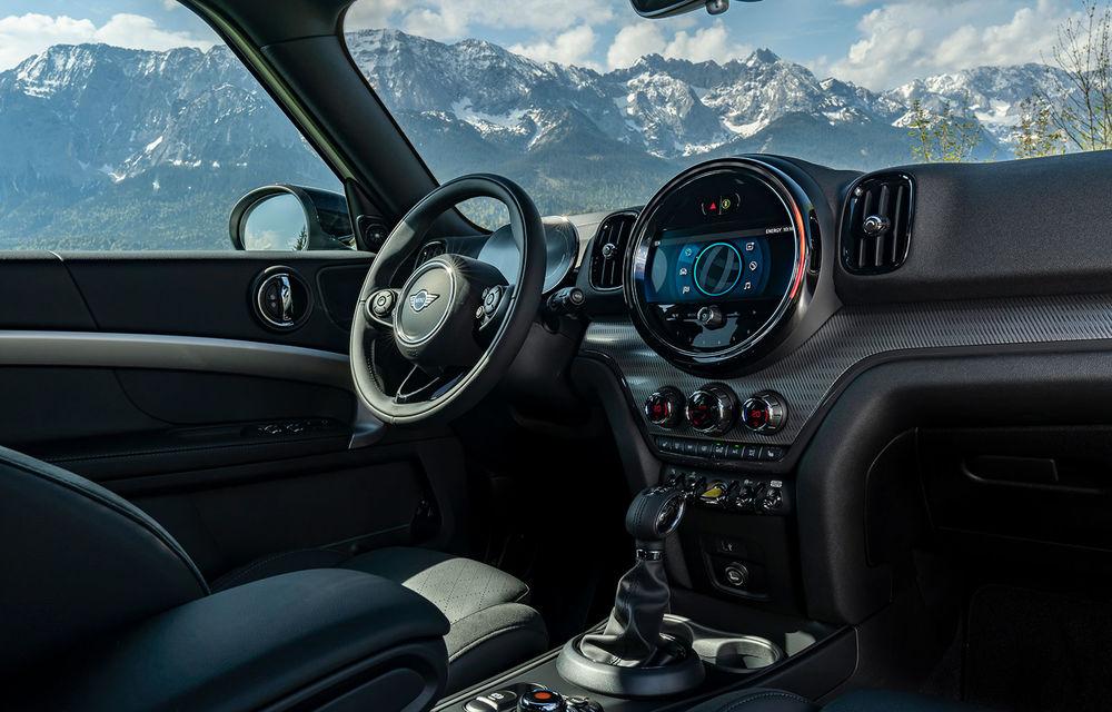 Mini Countryman facelift a fost prezentat oficial: britanicii propun îmbunătățiri exterioare, accesorii noi de interior și versiune plug-in hybrid cu autonomie electrică de până la 61 de kilometri - Poza 127