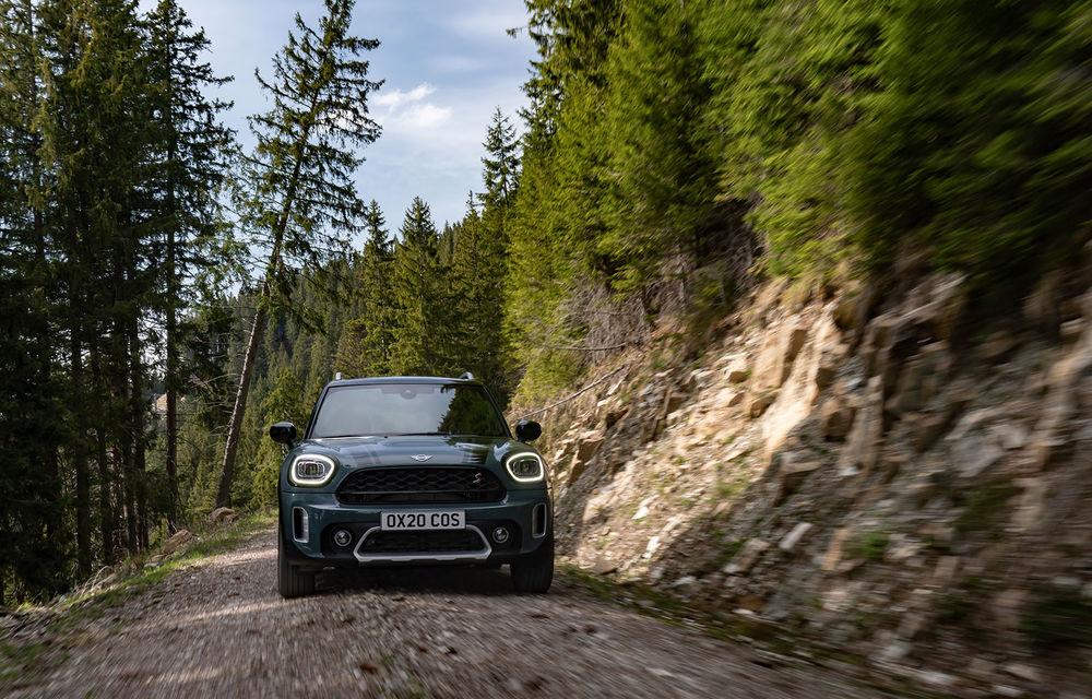 Mini Countryman facelift a fost prezentat oficial: britanicii propun îmbunătățiri exterioare, accesorii noi de interior și versiune plug-in hybrid cu autonomie electrică de până la 61 de kilometri - Poza 43