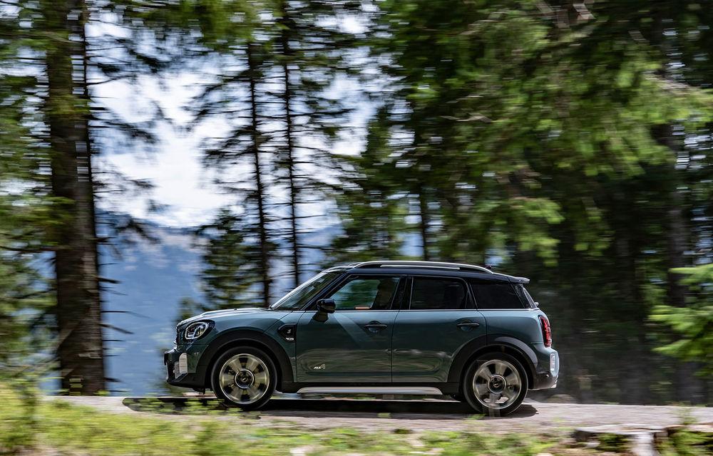 Mini Countryman facelift a fost prezentat oficial: britanicii propun îmbunătățiri exterioare, accesorii noi de interior și versiune plug-in hybrid cu autonomie electrică de până la 61 de kilometri - Poza 56