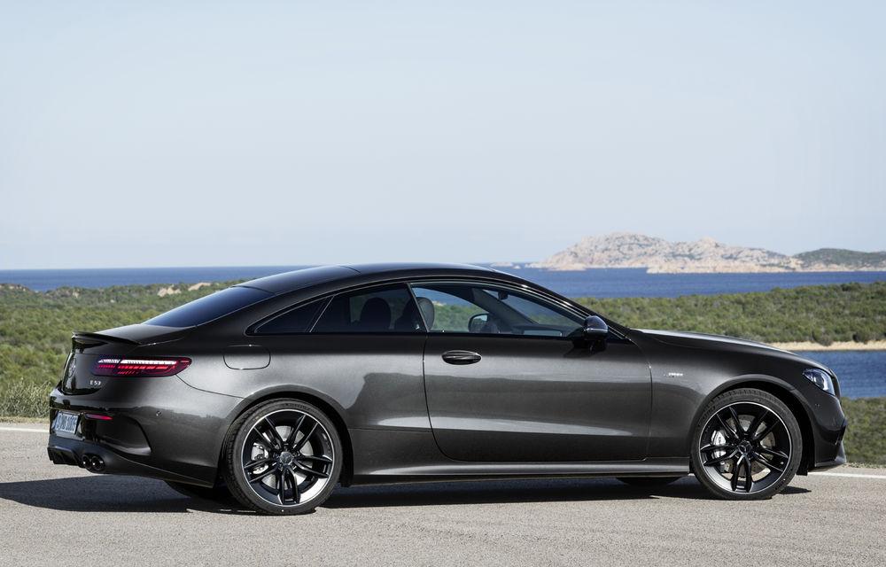Mercedes-Benz prezintă Clasa E Coupe și Cabriolet facelift: ecrane de 12.3 inch la interior și motorizări mild-hybrid de până la 367 CP - Poza 52