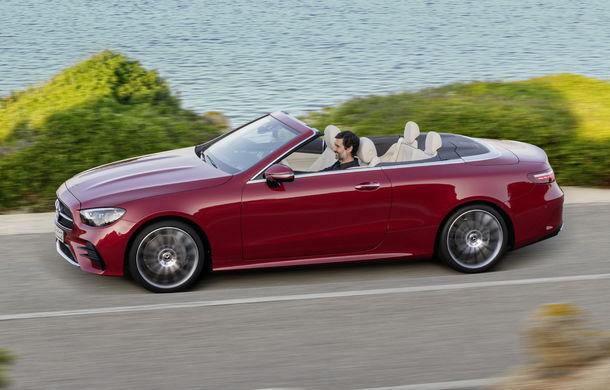 Mercedes-Benz prezintă Clasa E Coupe și Cabriolet facelift: ecrane de 12.3 inch la interior și motorizări mild-hybrid de până la 367 CP - Poza 18