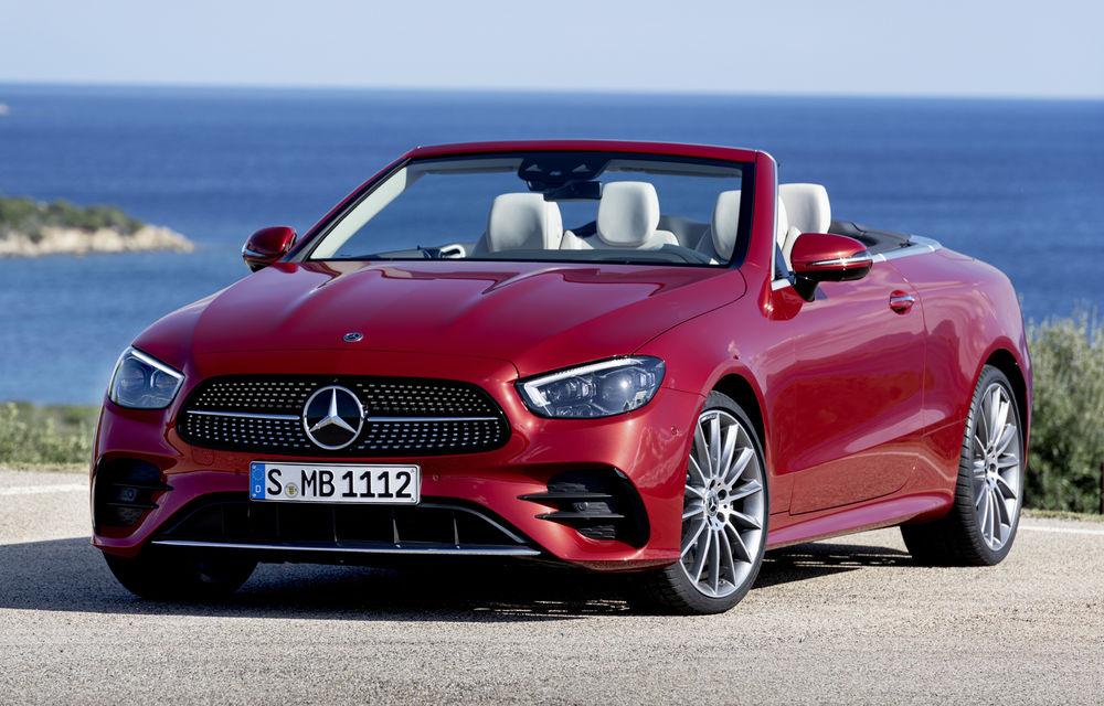 Mercedes-Benz prezintă Clasa E Coupe și Cabriolet facelift: ecrane de 12.3 inch la interior și motorizări mild-hybrid de până la 367 CP - Poza 1