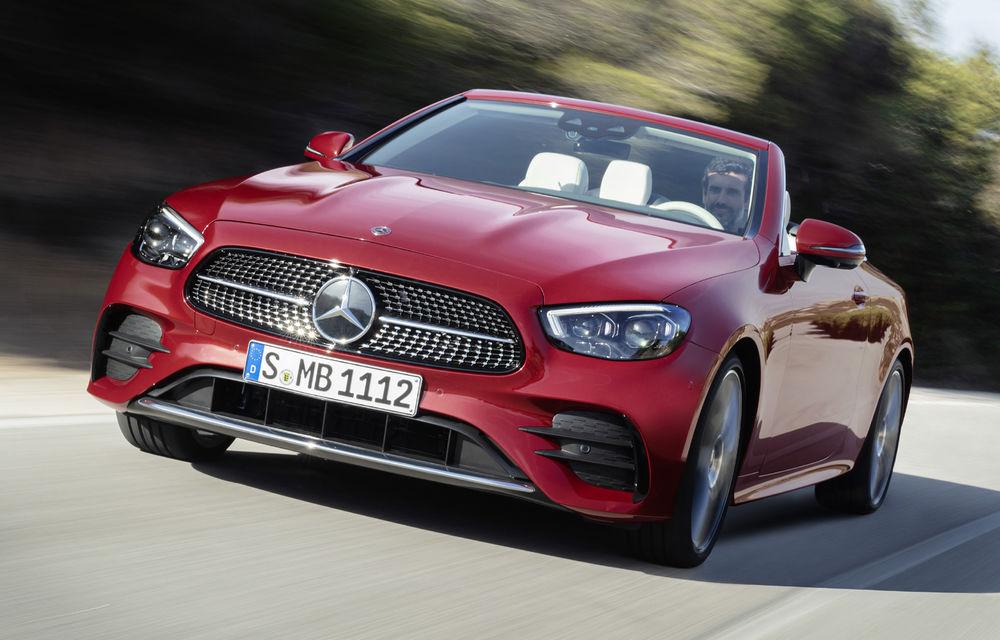 Mercedes-Benz prezintă Clasa E Coupe și Cabriolet facelift: ecrane de 12.3 inch la interior și motorizări mild-hybrid de până la 367 CP - Poza 2