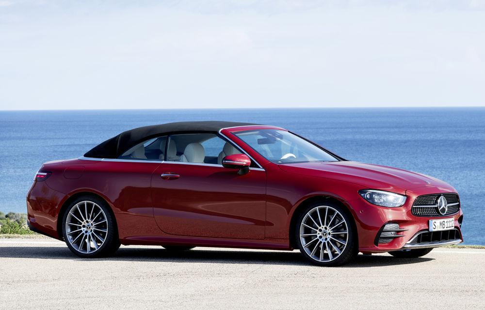 Mercedes-Benz prezintă Clasa E Coupe și Cabriolet facelift: ecrane de 12.3 inch la interior și motorizări mild-hybrid de până la 367 CP - Poza 10