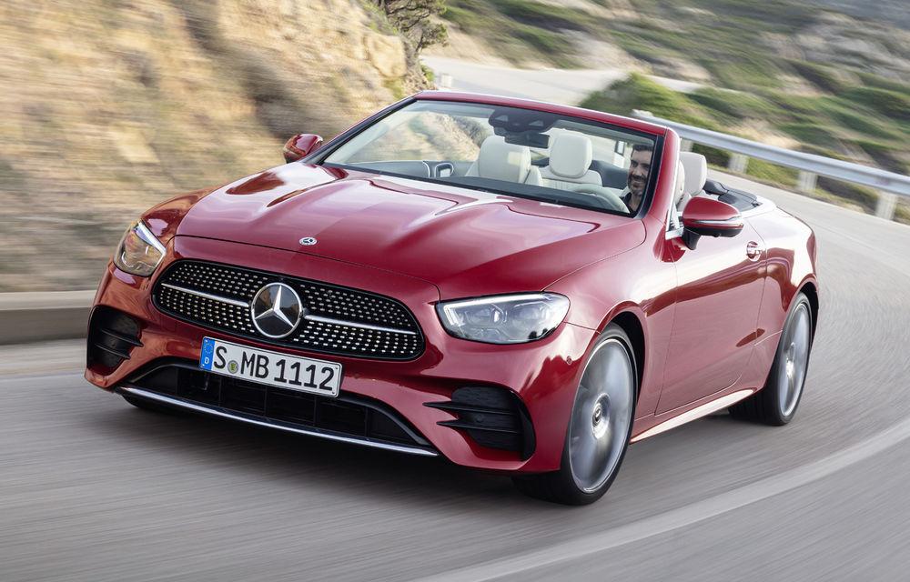 Mercedes-Benz prezintă Clasa E Coupe și Cabriolet facelift: ecrane de 12.3 inch la interior și motorizări mild-hybrid de până la 367 CP - Poza 6