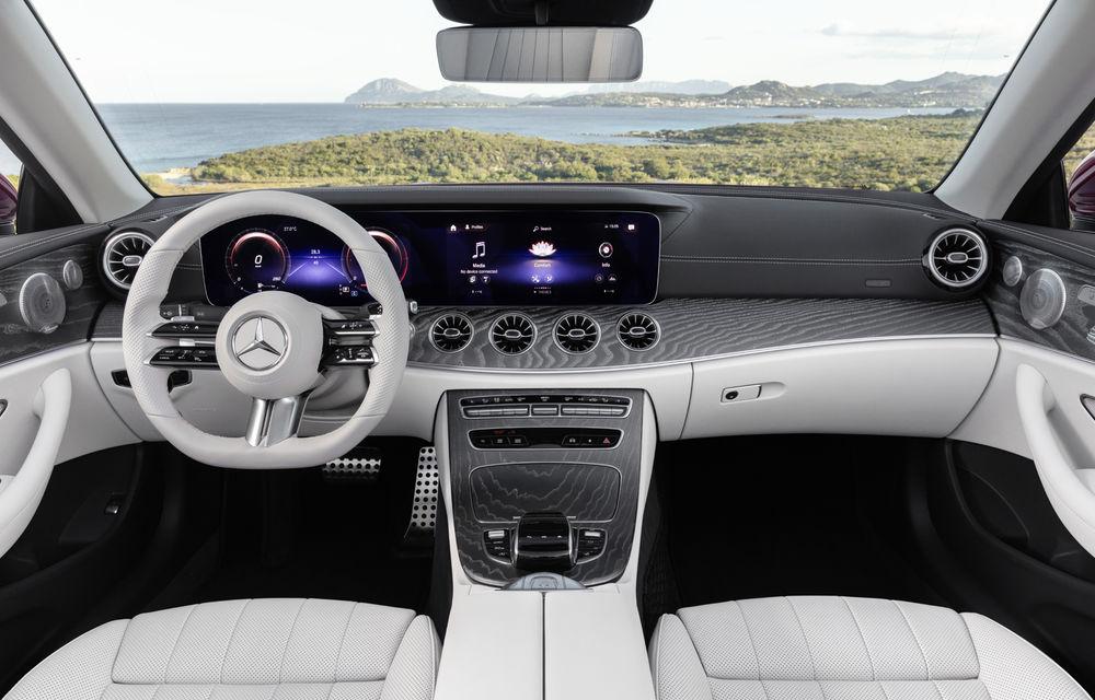 Mercedes-Benz prezintă Clasa E Coupe și Cabriolet facelift: ecrane de 12.3 inch la interior și motorizări mild-hybrid de până la 367 CP - Poza 27