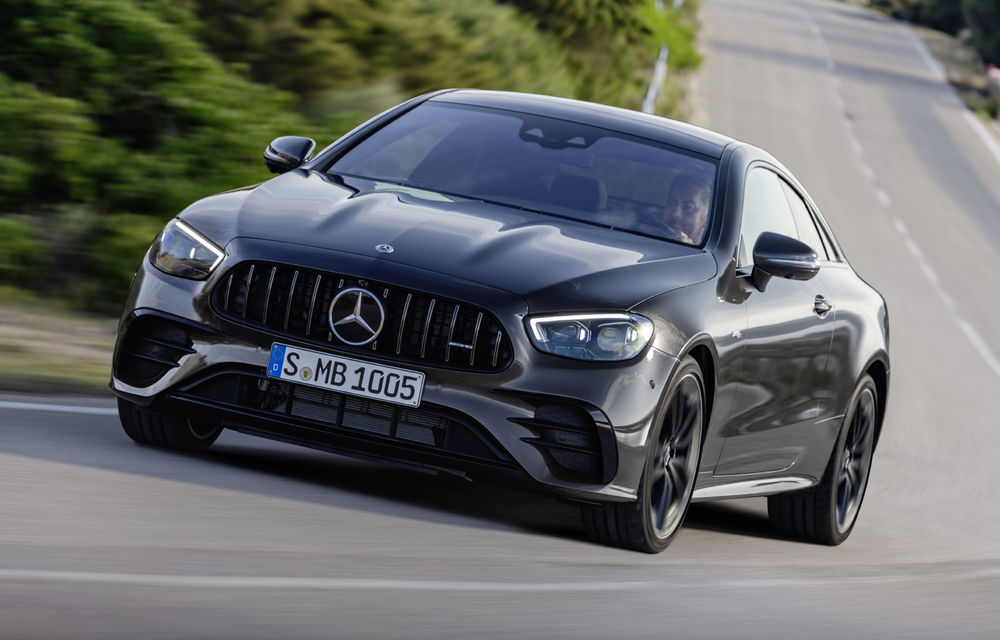 Mercedes-Benz prezintă Clasa E Coupe și Cabriolet facelift: ecrane de 12.3 inch la interior și motorizări mild-hybrid de până la 367 CP - Poza 40