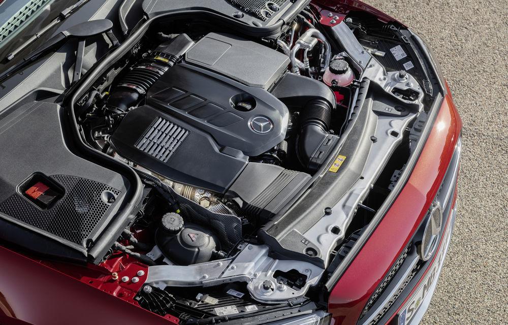 Mercedes-Benz prezintă Clasa E Coupe și Cabriolet facelift: ecrane de 12.3 inch la interior și motorizări mild-hybrid de până la 367 CP - Poza 26