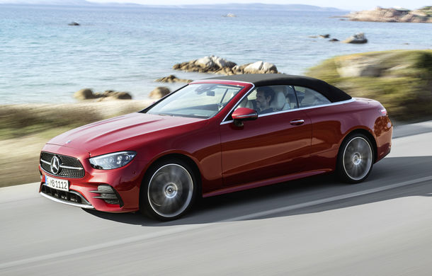 Mercedes-Benz prezintă Clasa E Coupe și Cabriolet facelift: ecrane de 12.3 inch la interior și motorizări mild-hybrid de până la 367 CP - Poza 4
