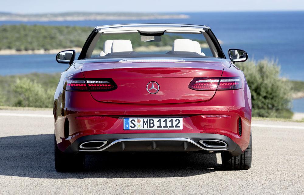 Mercedes-Benz prezintă Clasa E Coupe și Cabriolet facelift: ecrane de 12.3 inch la interior și motorizări mild-hybrid de până la 367 CP - Poza 13