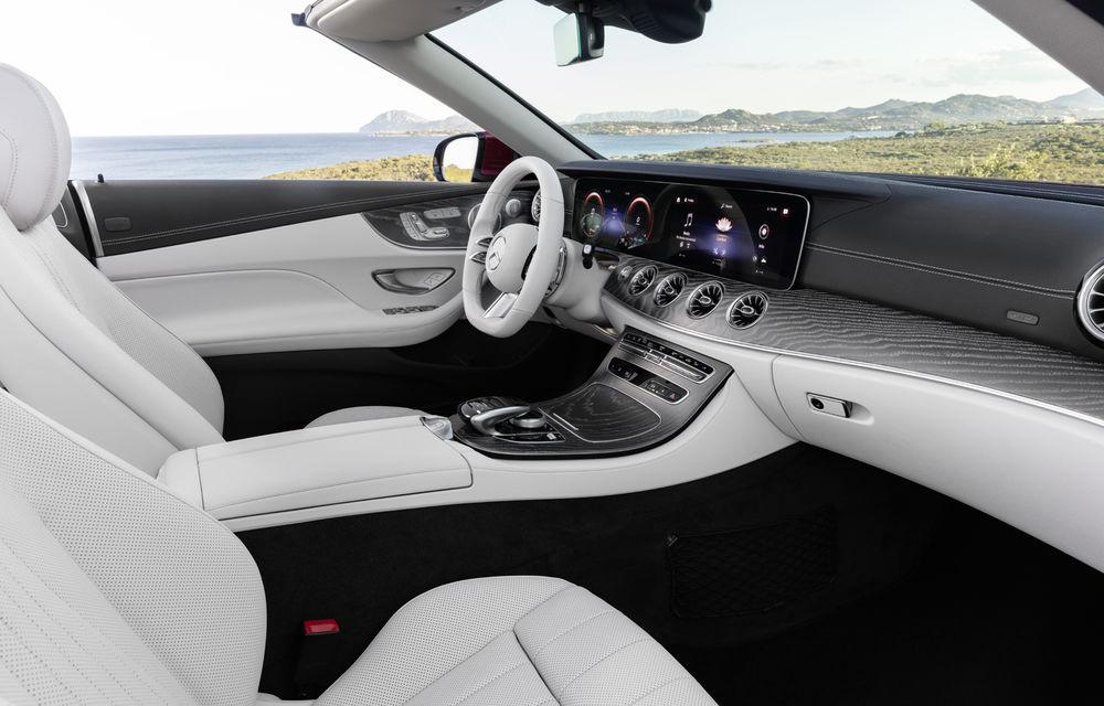 Mercedes-Benz prezintă Clasa E Coupe și Cabriolet facelift: ecrane de 12.3 inch la interior și motorizări mild-hybrid de până la 367 CP - Poza 28