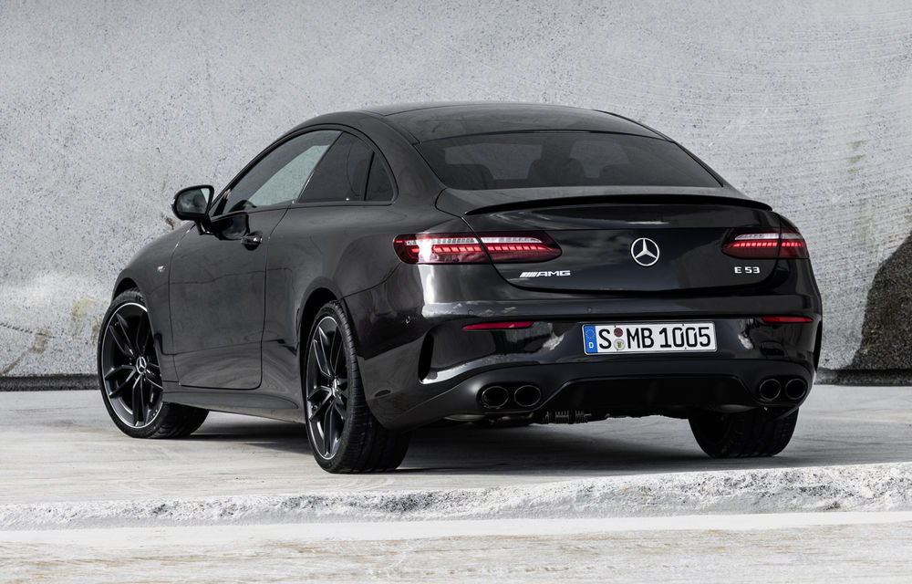 Mercedes-Benz prezintă Clasa E Coupe și Cabriolet facelift: ecrane de 12.3 inch la interior și motorizări mild-hybrid de până la 367 CP - Poza 46