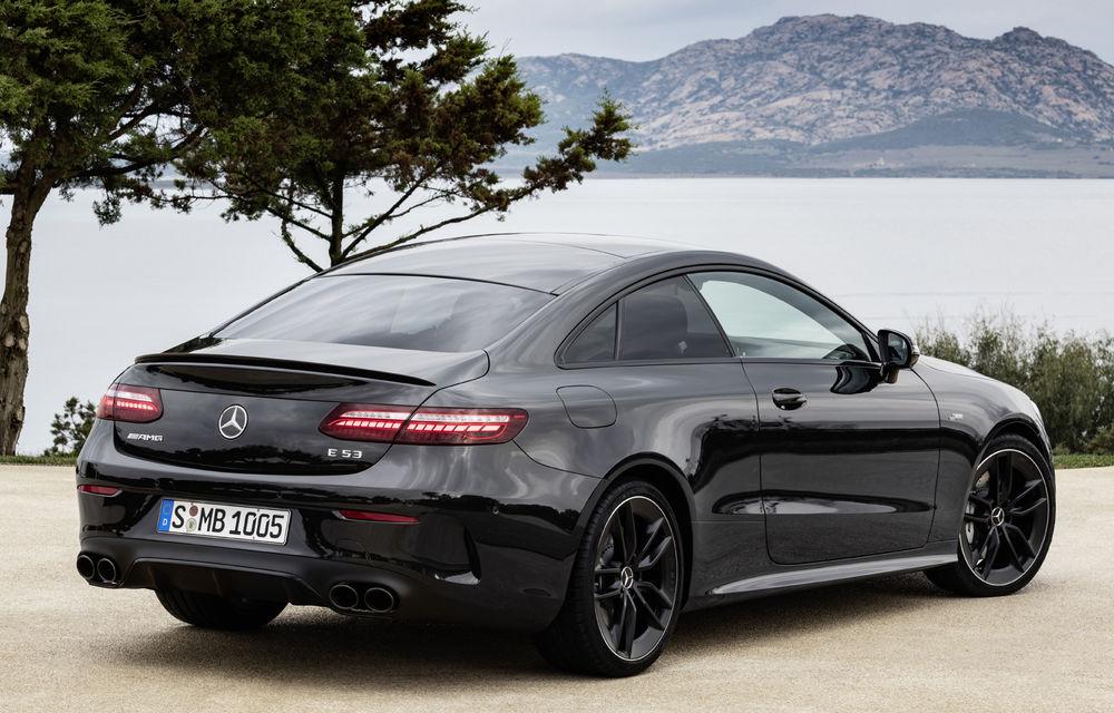Mercedes-Benz prezintă Clasa E Coupe și Cabriolet facelift: ecrane de 12.3 inch la interior și motorizări mild-hybrid de până la 367 CP - Poza 58