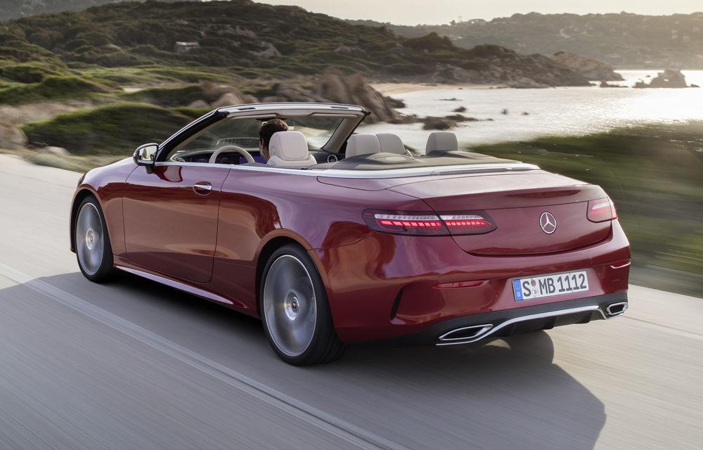 Mercedes-Benz prezintă Clasa E Coupe și Cabriolet facelift: ecrane de 12.3 inch la interior și motorizări mild-hybrid de până la 367 CP - Poza 5