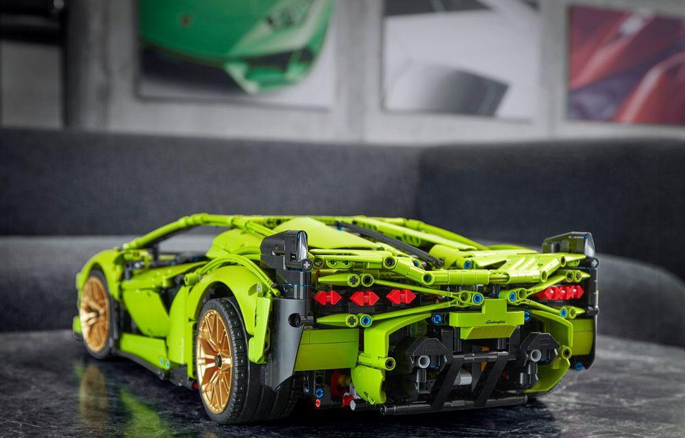Pentru copilul din tine: Lego a pregătit un Lamborghini Sian din aproape 3.700 de piese - Poza 3
