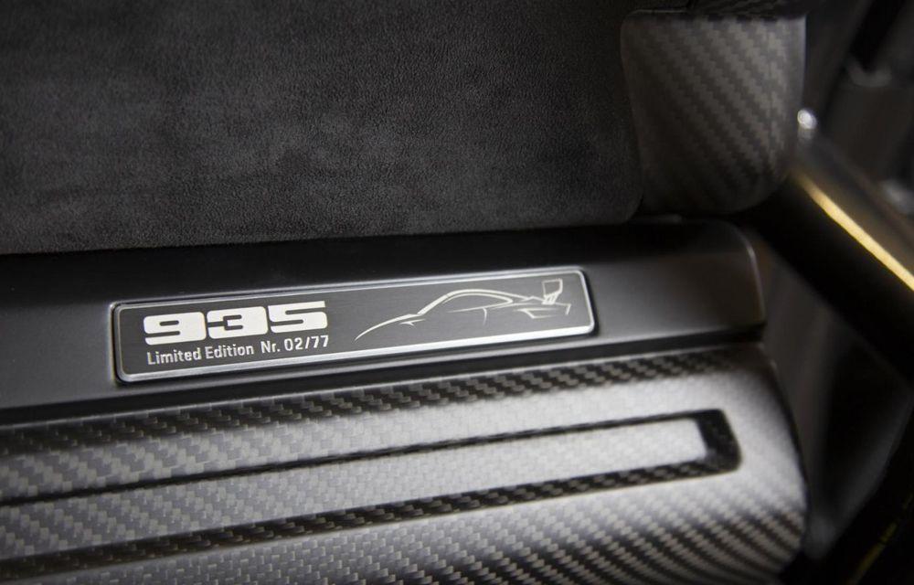 Update: Unul dintre exemplarele noului Porsche 935 a fost scos la licitație: mașina s-a vândut cu 1.32 de milioane de euro - Poza 5