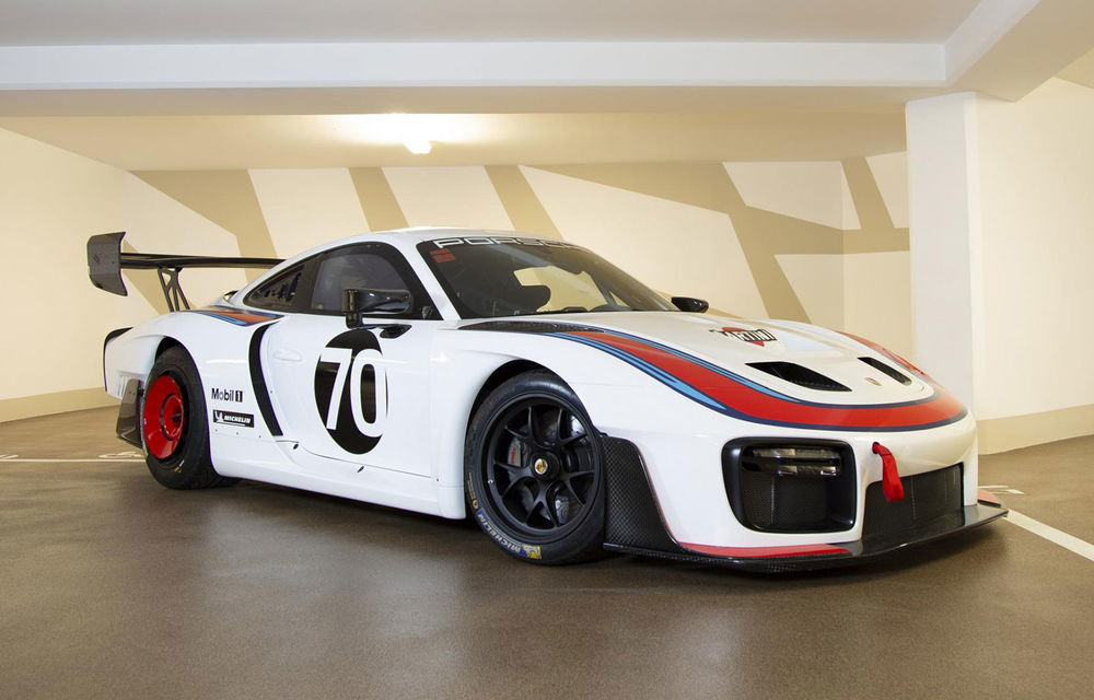 Update: Unul dintre exemplarele noului Porsche 935 a fost scos la licitație: mașina s-a vândut cu 1.32 de milioane de euro - Poza 1