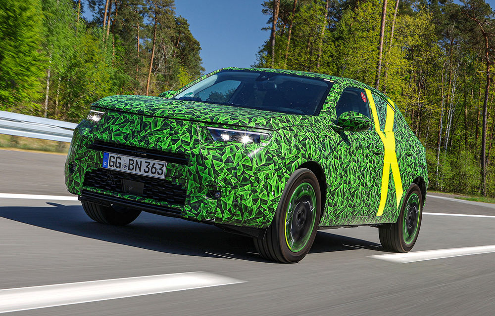 Teaser pentru noua generație Opel Mokka: SUV-ul va avea cockpit digital Pure Panel cu ecrane touch de mari dimensiuni - Poza 2