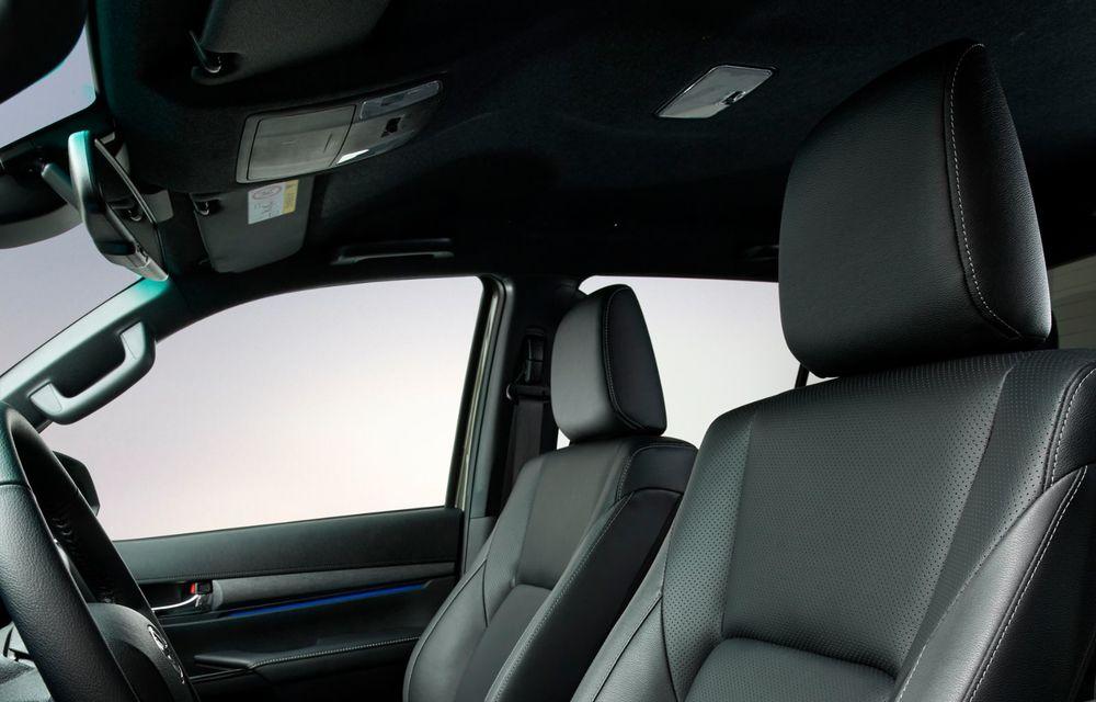 Toyota lansează Hilux facelift: modificări estetice, suspensii îmbunătățite și un nou motor diesel de 2.8 litri cu 204 CP - Poza 20