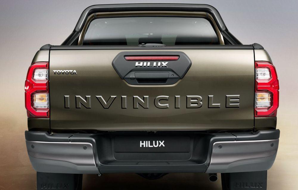 Toyota lansează Hilux facelift: modificări estetice, suspensii îmbunătățite și un nou motor diesel de 2.8 litri cu 204 CP - Poza 14