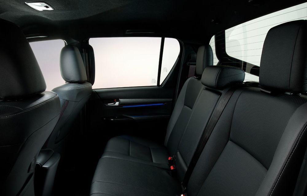 Toyota lansează Hilux facelift: modificări estetice, suspensii îmbunătățite și un nou motor diesel de 2.8 litri cu 204 CP - Poza 21