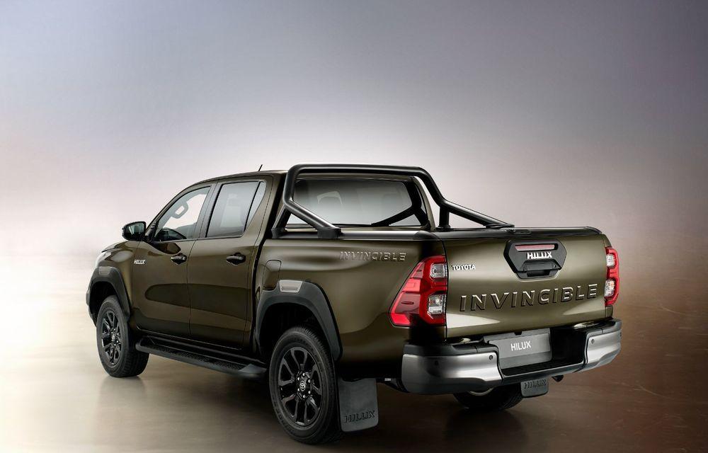 Toyota lansează Hilux facelift: modificări estetice, suspensii îmbunătățite și un nou motor diesel de 2.8 litri cu 204 CP - Poza 4