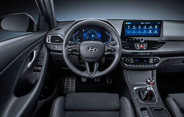 Hyundai i30 facelift este disponibil în România: prețurile pornesc de la peste 18.300 de euro. Promoțiile curente vin cu reduceri de 3.900 de euro - Poza 9