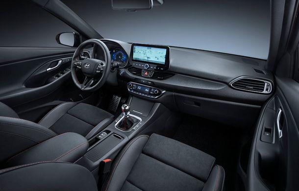 Hyundai i30 facelift este disponibil în România: prețurile pornesc de la peste 18.300 de euro. Promoțiile curente vin cu reduceri de 3.900 de euro - Poza 10