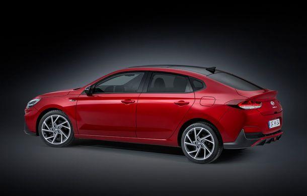 Hyundai i30 facelift este disponibil în România: prețurile pornesc de la peste 18.300 de euro. Promoțiile curente vin cu reduceri de 3.900 de euro - Poza 14