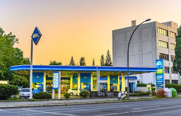 Germania obligă toate benzinăriile să instaleze stații pentru încărcarea mașinilor electrice - Poza 1