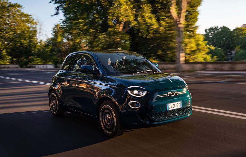 Primele imagini cu hatchback-ul Fiat 500 electric: citadinul italian are motor de 118 CP și autonomie de până la 320 de kilometri - Poza 1