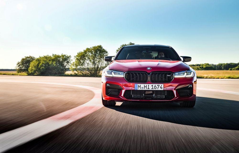 BMW a prezentat M5 și M5 Competition facelift: noutăți estetice și ecran central de 12.3 inch pentru versiunile de performanță - Poza 3
