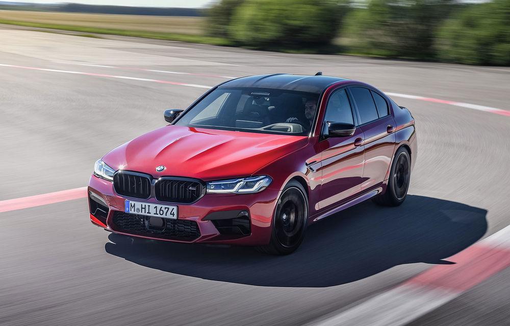 BMW a prezentat M5 și M5 Competition facelift: noutăți estetice și ecran central de 12.3 inch pentru versiunile de performanță - Poza 1