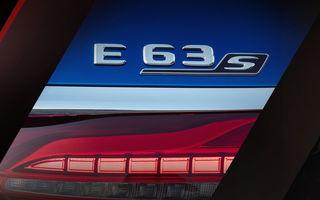 Prima imagine teaser cu viitorul Mercedes-AMG E63 S facelift: modelul de performanță va fi prezentat în 18 iunie