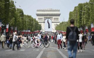 Parisul propune un manifest dur împotriva mașinilor: limită de 30 km/h în oraș, fără mașini diesel din 2024 și spații pietonale în loc de parcări
