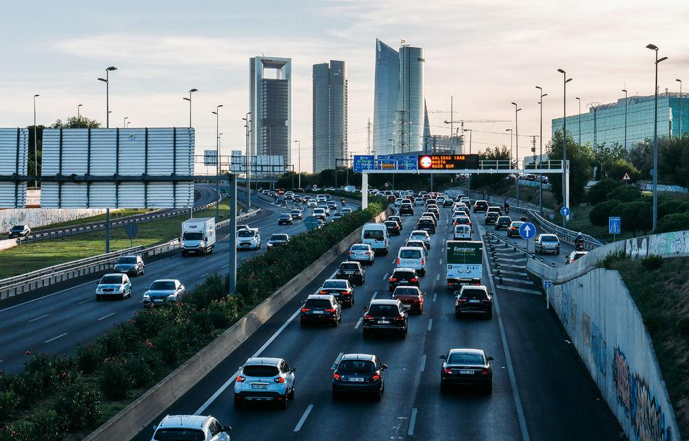 Înmatriculările de mașini noi au scăzut în Europa cu 57% în luna mai: Dacia a înmatriculat 25.000 de unități, în scădere cu 54% - Poza 1