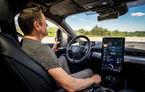 Șoferii SUV-ului electric Ford Mustang Mach-E vor putea lua mâinile de pe volan în timpul mersului: opțiunea, activă doar pe anumite autostrăzi din SUA