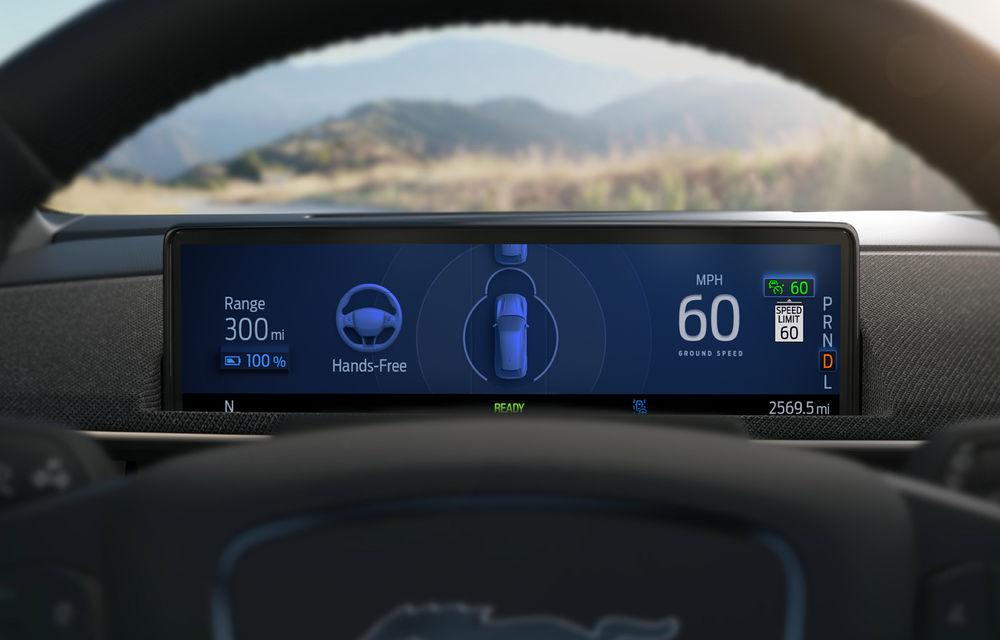Șoferii SUV-ului electric Ford Mustang Mach-E vor putea lua mâinile de pe volan în timpul mersului: opțiunea, activă doar pe anumite autostrăzi din SUA - Poza 2