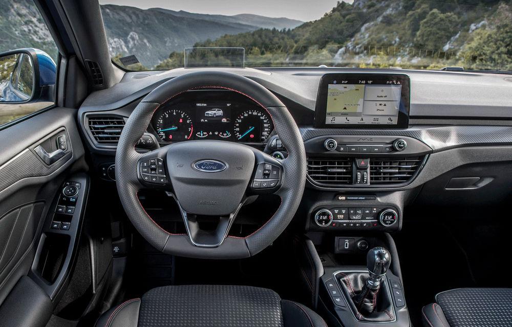 Îmbunătățiri pentru Ford Focus: compacta primește motorizări mild-hybrid de până la 155 CP și instrumentar digital de bord de 12.3 inch - Poza 5