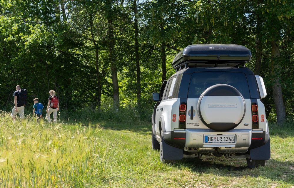 Pentru iubitorii de aventură: Land Rover Defender poate fi comandat și cu un cort de plafon - Poza 4