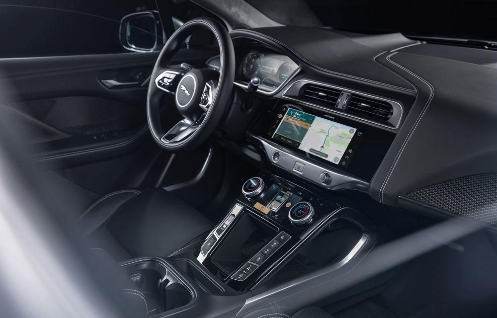 SUV-ul electric Jaguar I-Pace primește îmbunătățiri: sistem de infotainment de 12.3 inch și încărcare cu până la 11 kW la wall-box-uri casnice - Poza 30