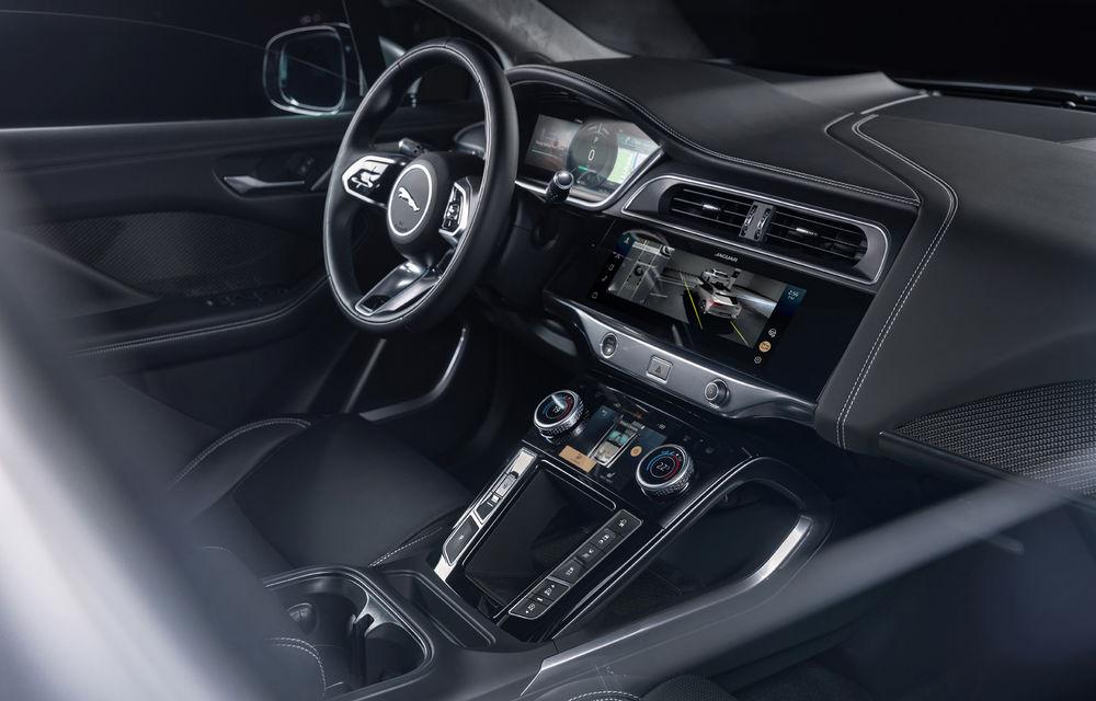 SUV-ul electric Jaguar I-Pace primește îmbunătățiri: sistem de infotainment de 12.3 inch și încărcare cu până la 11 kW la wall-box-uri casnice - Poza 29