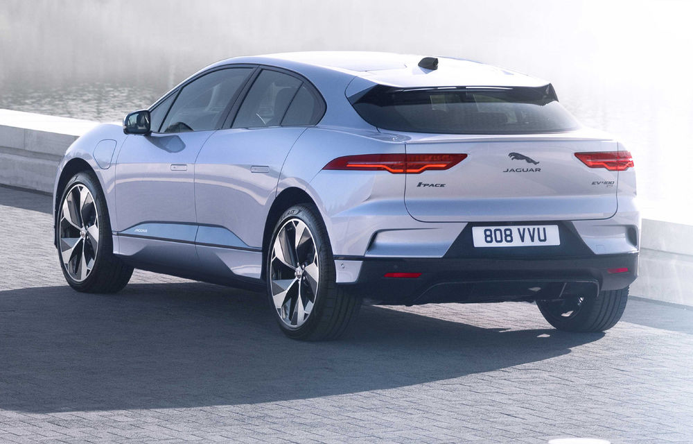SUV-ul electric Jaguar I-Pace primește îmbunătățiri: sistem de infotainment de 12.3 inch și încărcare cu până la 11 kW la wall-box-uri casnice - Poza 11